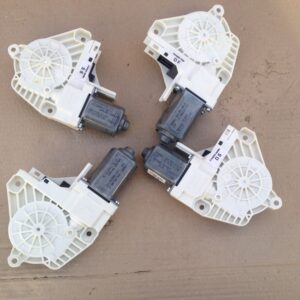 motoras-macara-dreapta-spate-audi-a4-b8-2013-a840341847cb8ec810-0-0-0-0-0
