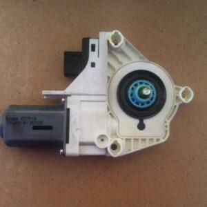 motoras-macara-geam-stanga-spate-audi-q7-fcb9525bcbcd09e1e7-0-0-0-0-0