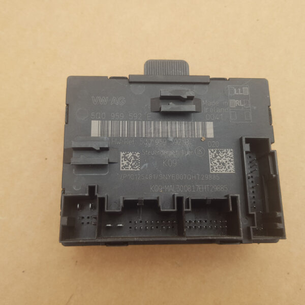 calculator-confort-usa-dreapta-fata-vw-passat-b8-22463f707380037e6c-0-0-0-0-0